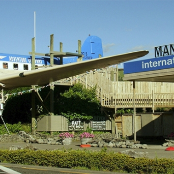 Mangaweka does not have an international airport, it doesn't have an airport at all!