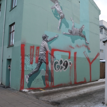 """Strøk collaborated on his wall with MAMMÚT and the song """"I Pray For Air In The Water""""."""