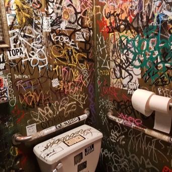 Pop's graffiti loo!