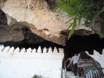 #3 Pak Ou Caves (3)